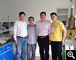越南客户在鑫海选矿试验室合影
